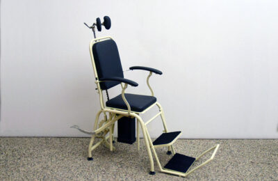 Adjustable metal dentist chair, Italian production, early 1900s